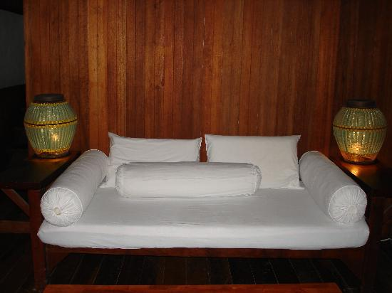The day bed in Rock House