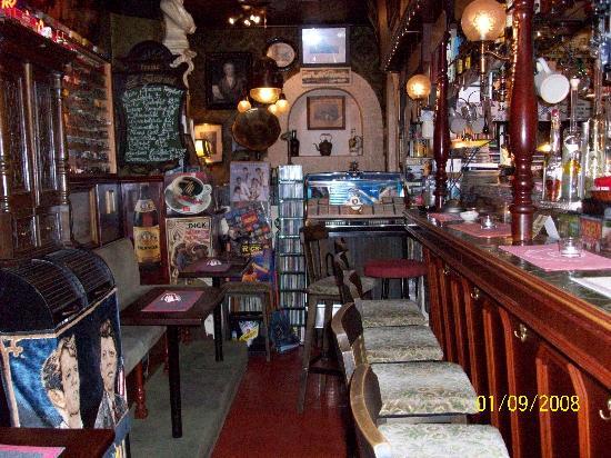 Marbella Hotel/Restaurant: Ralphs music bar