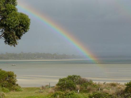 Pelican Bay B & B : Rainbow over Pelican Bay