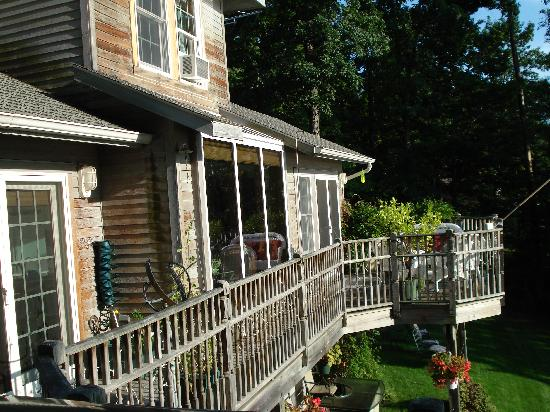 Seneca Lakeside Bed & Breakfast: A partial view of the B&B Deck