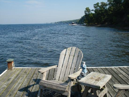 Seneca Lakeside Bed & Breakfast: Dockside on Seneca Lake