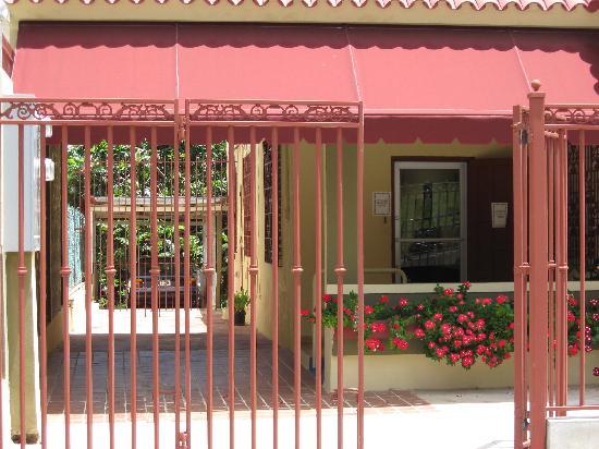 Casa de Amistad: More Vieques Color