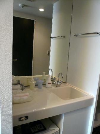 Dormy Inn Matsumoto: Washing basin / 洗面台