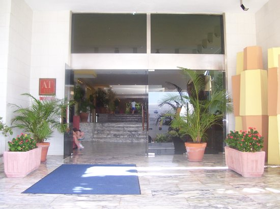 Roc Portonova Apartments: entrance