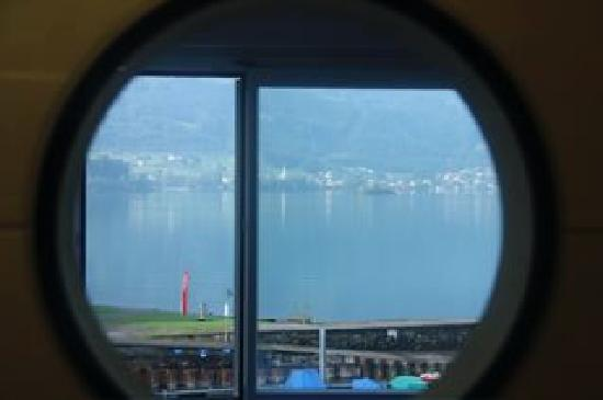 Hotel Restaurant Seehof : View over the lake from the bathroom window