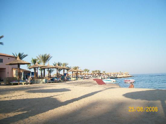 Aqua Vista Resort & Spa: La plage à 10 minutes à pied