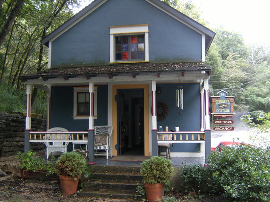 Photo of Cobbler's Cottage Eureka Springs