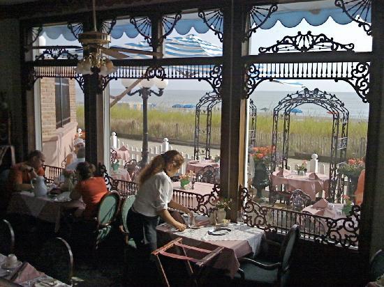 Victoria's Restaurant Interior