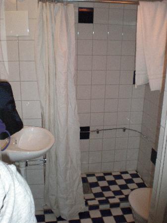 Loginn Hotel: Bagno