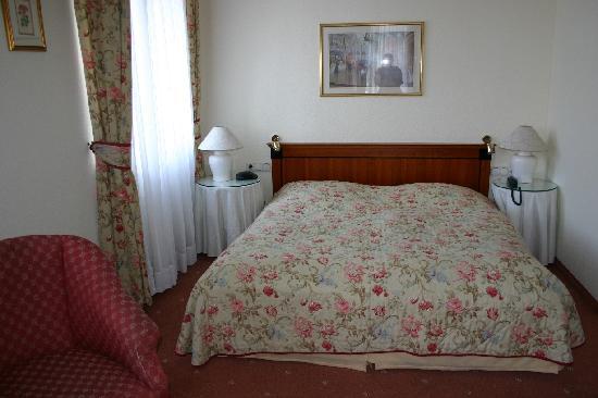Hotel Kaiserhof: Room interior 2