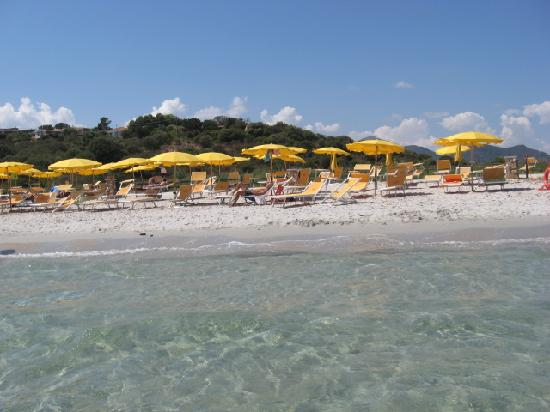 Bungalow Club Village: spiaggia vista dal mare