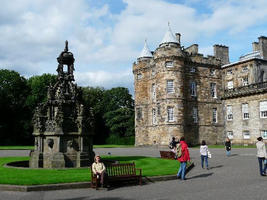 Edinburgh, UK: Palace of Holyroodhouse