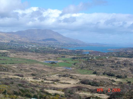 ‪‪Castletownbere‬, أيرلندا: Beara Peninsula overlooking Castletown‬