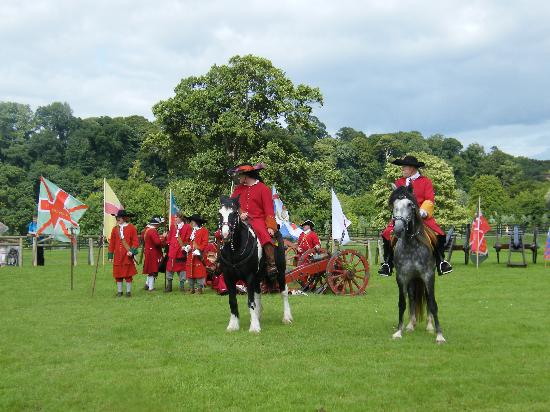 Oldbridge Estate/Battle of the Boyne Visitors Centre: Historic Re-inactment