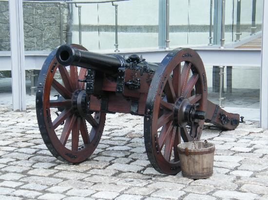 Oldbridge Estate/Battle of the Boyne Visitors Centre: Gun carriage