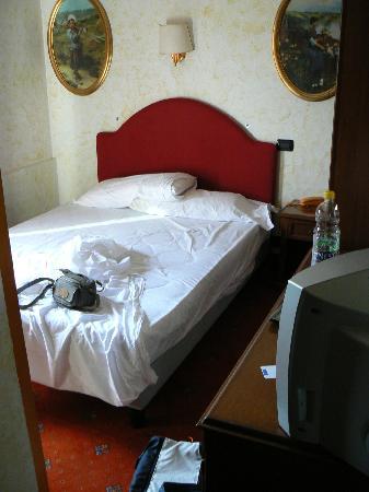 Flaminius Hotel