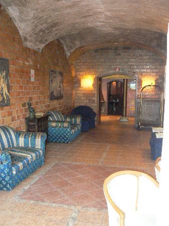 Flaminius Hotel : la sala all'ingresso