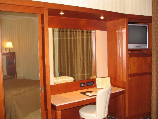 Hotel Ariston: particolare stanza