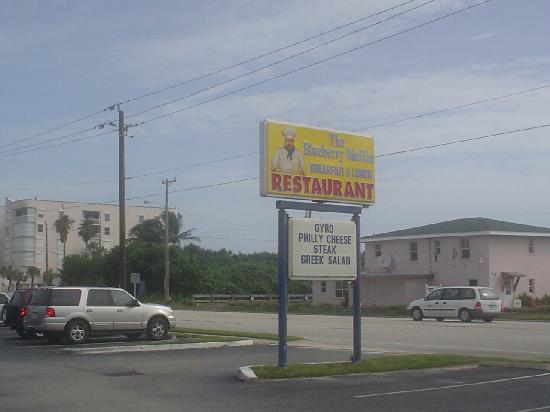 Blueberry Muffin Restaurant : outside of bldg