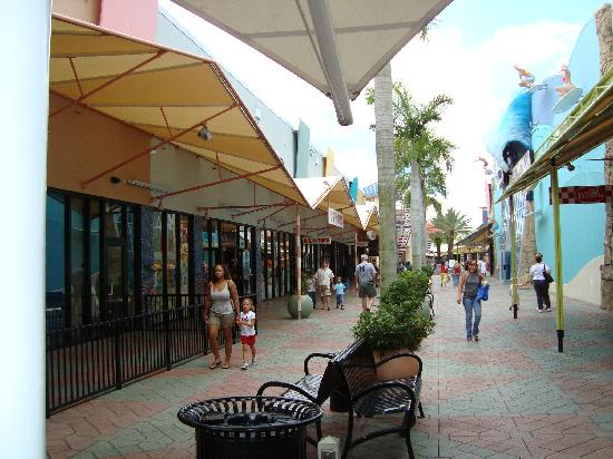 Sawgrass Mills: The Oasis - Outside part of the Mall