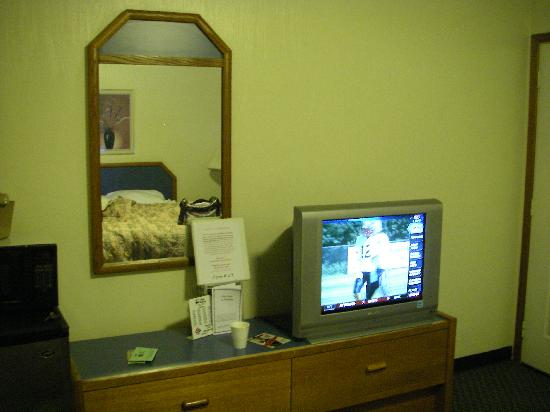 Royal Victorian Motel: Room photo