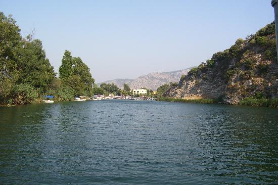 Sahin, Apartments: River