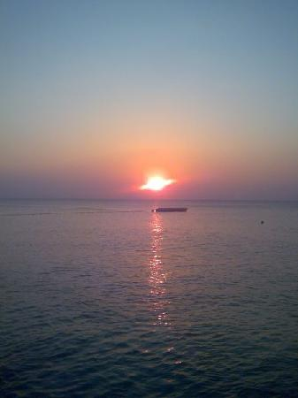 Esperides Beach Family Resort: Sunrise on Rhodes