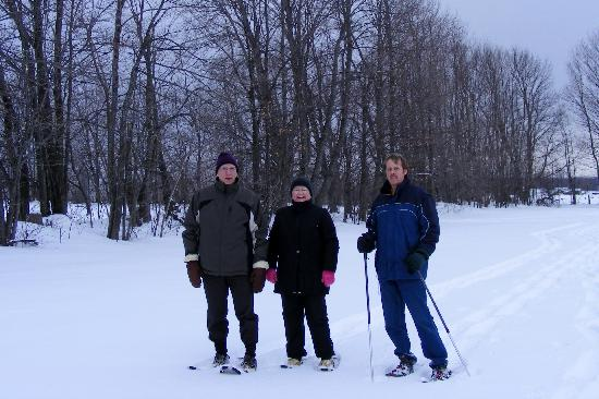 Bluebird Meadows Bed & Breakfast: Enjoying some snow shoeing