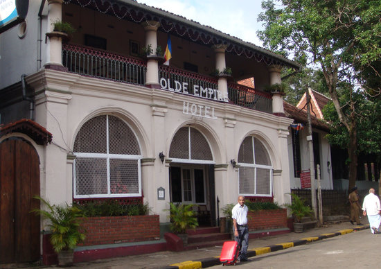 Olde Empire Hotel: arrival at the OEH