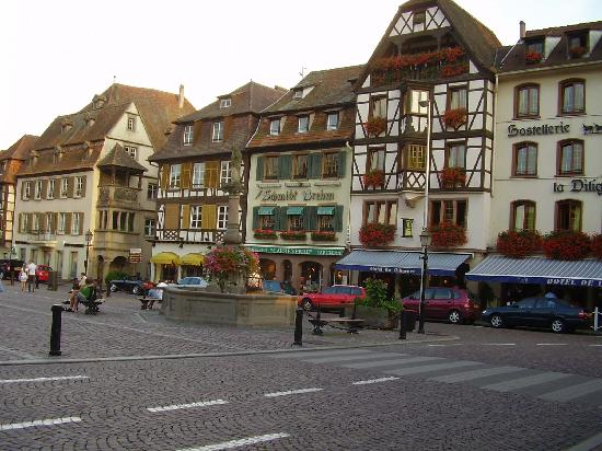 Оберне, Франция: Main Square Obernai