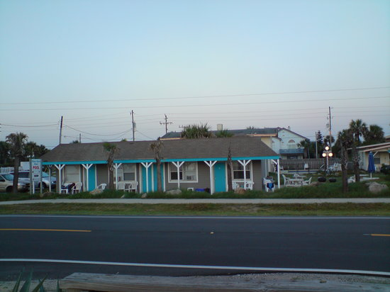 Flagler Beach, Floride : View of Motel from Ocean Lookout