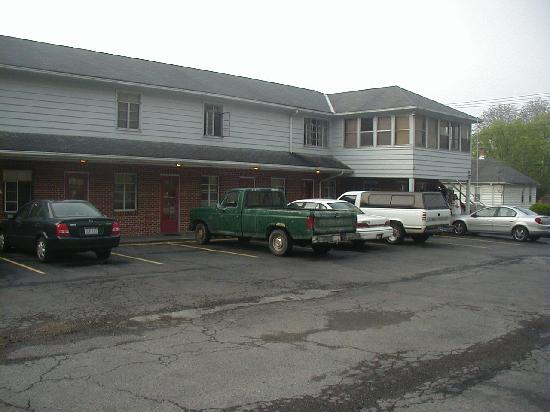 Berkeley Springs Motel: Outside view