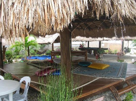 Lan-Sei Water Resort: Gazeebo and Billiard Table