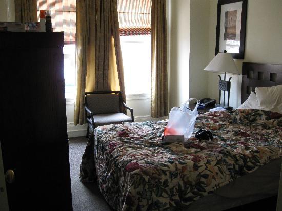 The Dakota Hotel: première pièce