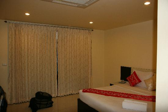 The Laem Din Hotel: Room Pic 2