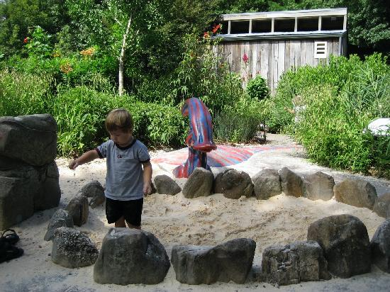 Atlanta, GA: Digging for fossils