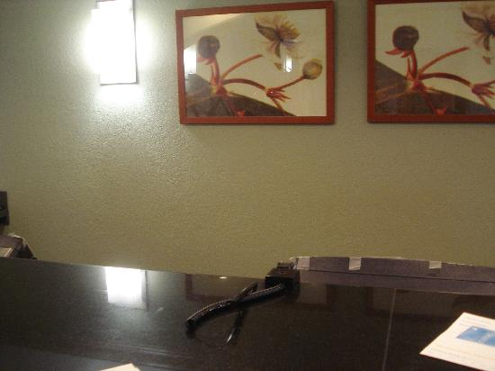 Extended Stay America - Fort Lauderdale - Cypress Creek - NW 6th Way: Checking out to an empty front desk?