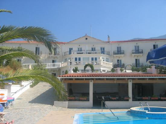 Trapezaki Bay Hotel: hotel
