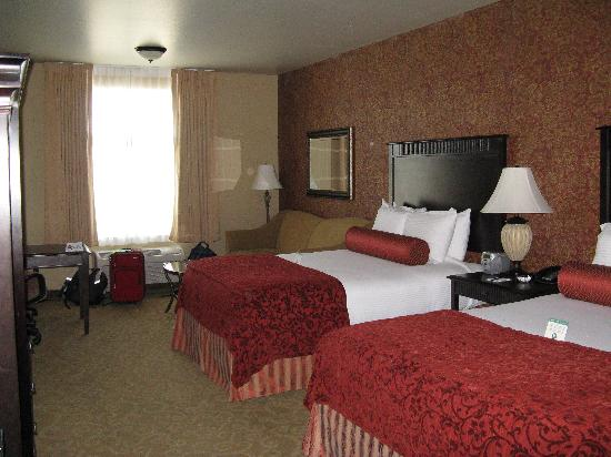 Oxford Suites Boise: 2 queen room