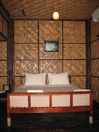 Sopha House: room 2