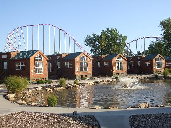 Worlds of Fun Village Resort: Worlds of Fun Village Cabins