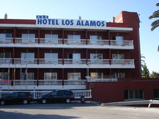 Hotel Los Alamos: fachada del hotel