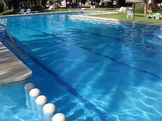 Hotel Los Alamos: la piscina sin trampa ni carton
