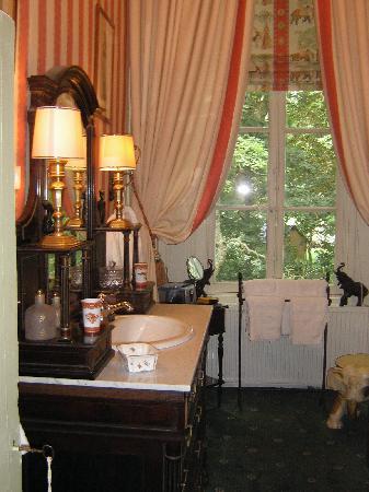 Château d'Ivoy: Il bagno della camera Kipling