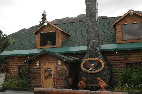 Summit Lake Lodge: lodge