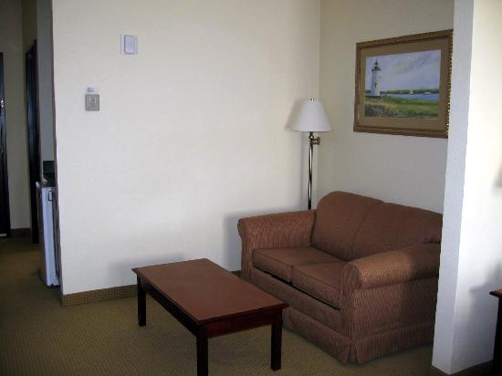 La Quinta Inn & Suites Norwich-Plainfield-Casino: pull out sofa (king leisure suite)