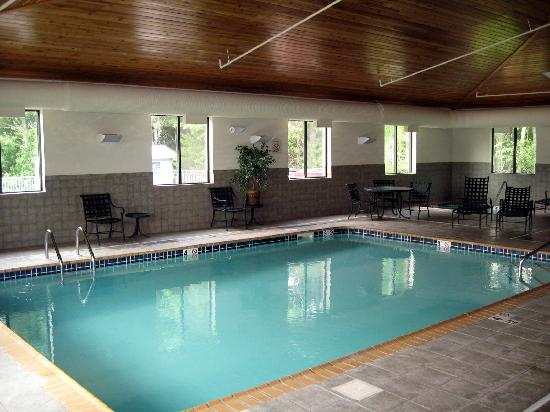 La Quinta Inn & Suites Norwich-Plainfield-Casino: pool