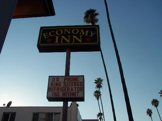 Economy Inn Hollywood: Exterior