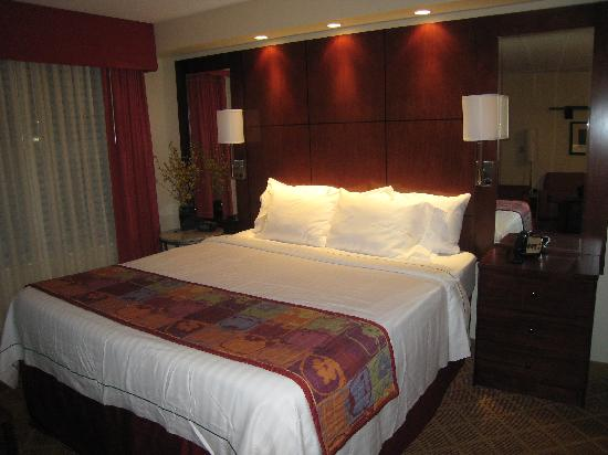 Residence Inn Dulles Airport at Dulles 28 Centre: Bed