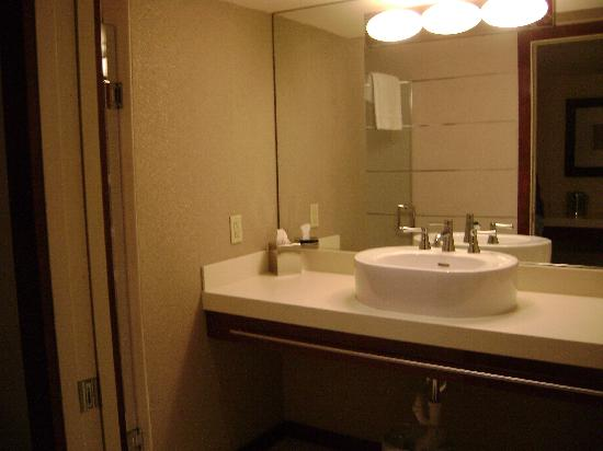 Daddy O Hotel: Big Bathroom